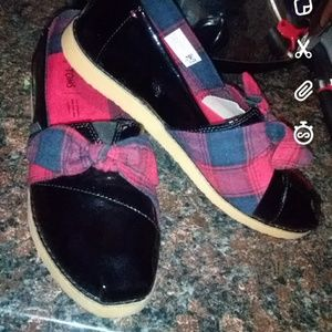 Women's TOMS size 10